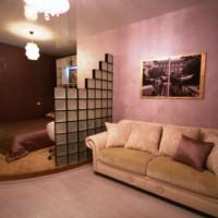 зонирование комнаты на спальню и гостиную фото 33