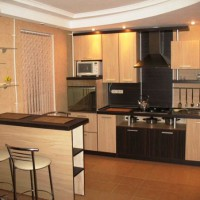 угловая кухня с барной стойкой фото 39