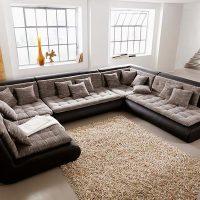 диван в интерьере гостиной фото 29