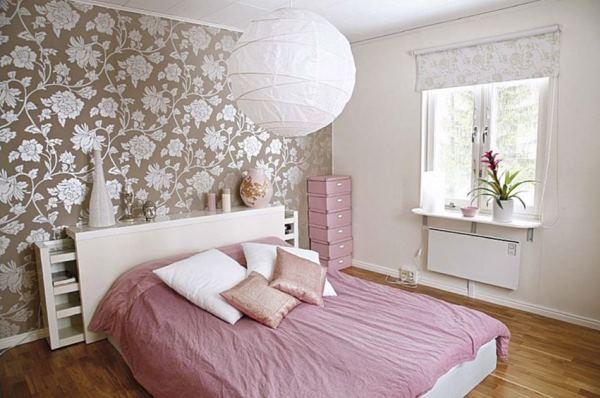 кровать в маленькую спальню фото