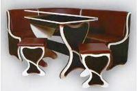 кухонный уголок со столом и стульями