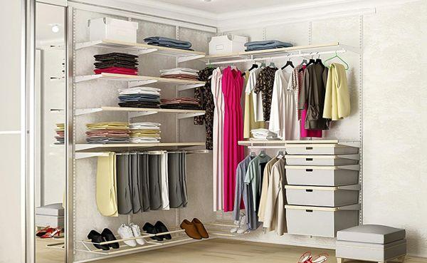 образцы гардеробных комнат маленьких размеров фото