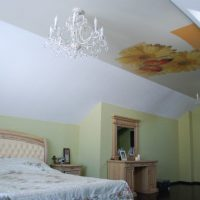 натяжные потолки в спальне фото 28