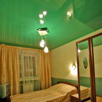 натяжные потолки в спальне фото 59