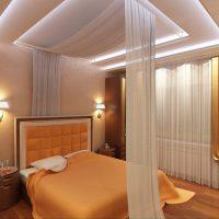 натяжные потолки в спальне фото 74
