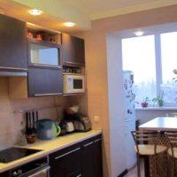 интерьер кухни с балконом фото 19