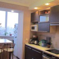 интерьер кухни с балконом фото 2