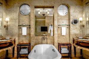 люстра в ванной фото 33