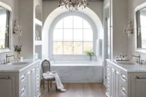 люстра в ванной фото 48