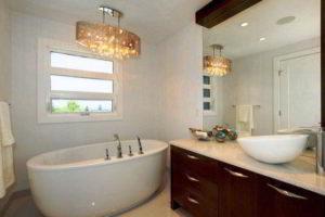 люстра в ванной фото 50