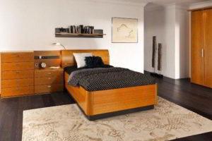 спальня из массива дерева