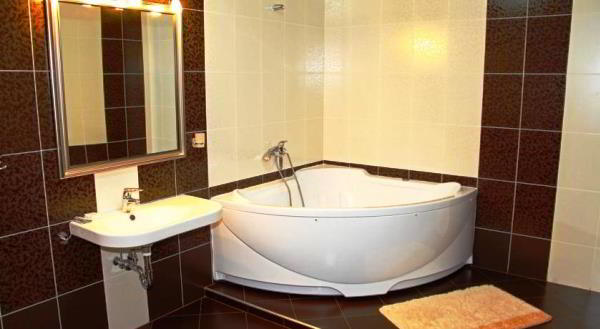 угловая ванная фото 5