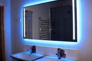 зеркало с подсветкой в ванную комнату