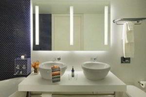 зеркало в ванную комнату с подсветкой фото 17