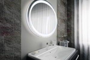 зеркало в ванную комнату с подсветкой фото 24