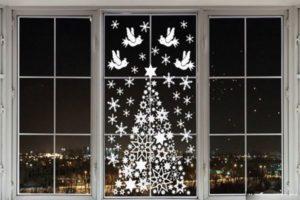 nok-300x200 Украшения на окна к Новому году: 13 идей для праздничного настроения