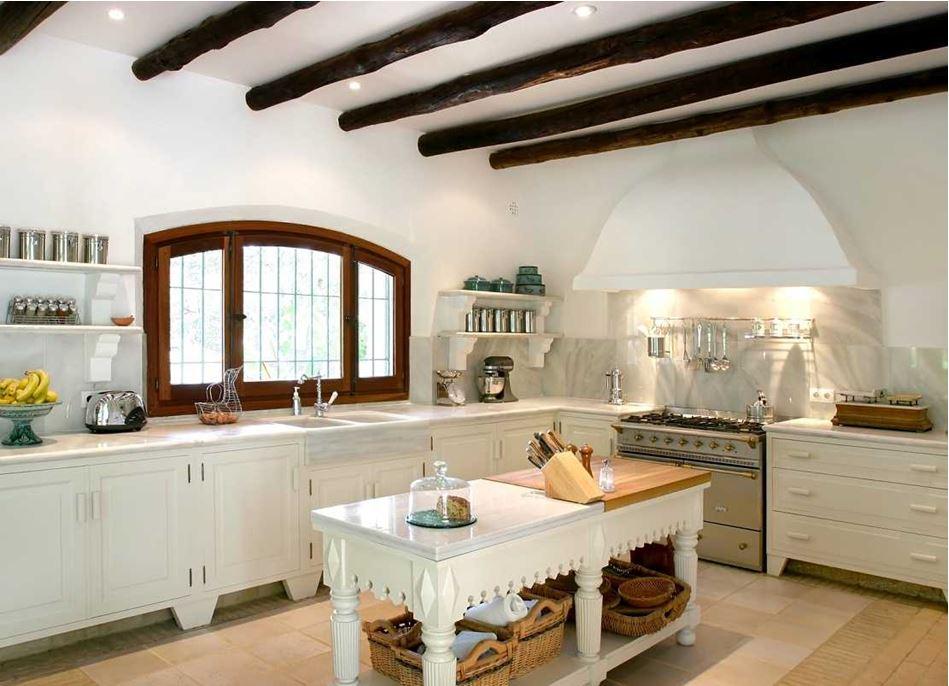 кухня для дачи в деревенском стиле
